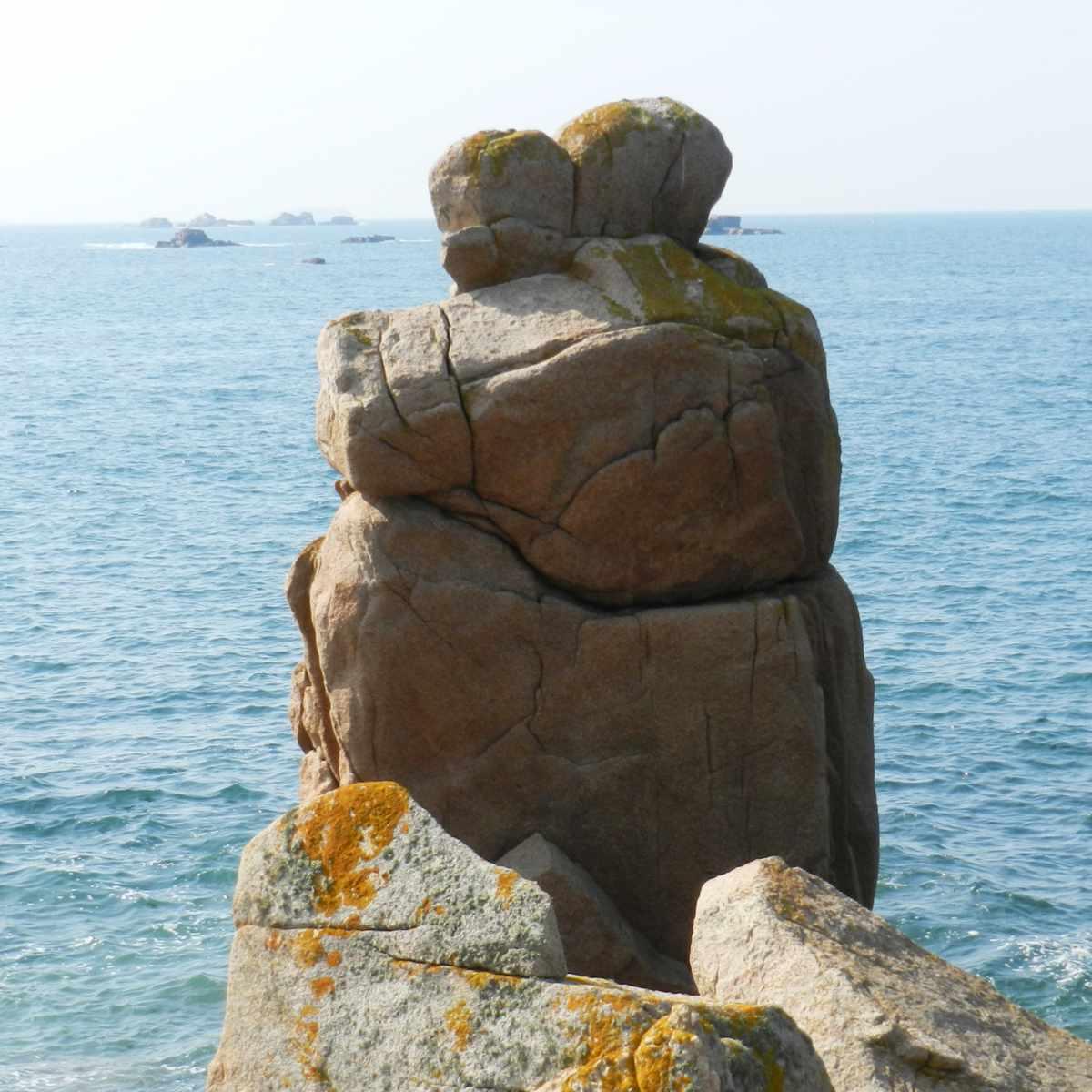 Felsen am Meer in der Bretagne