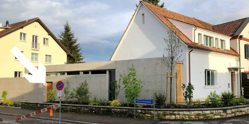 Kontakt freie Theologin Rosmarie Brunner, Eingang Erstfeldstrasse
